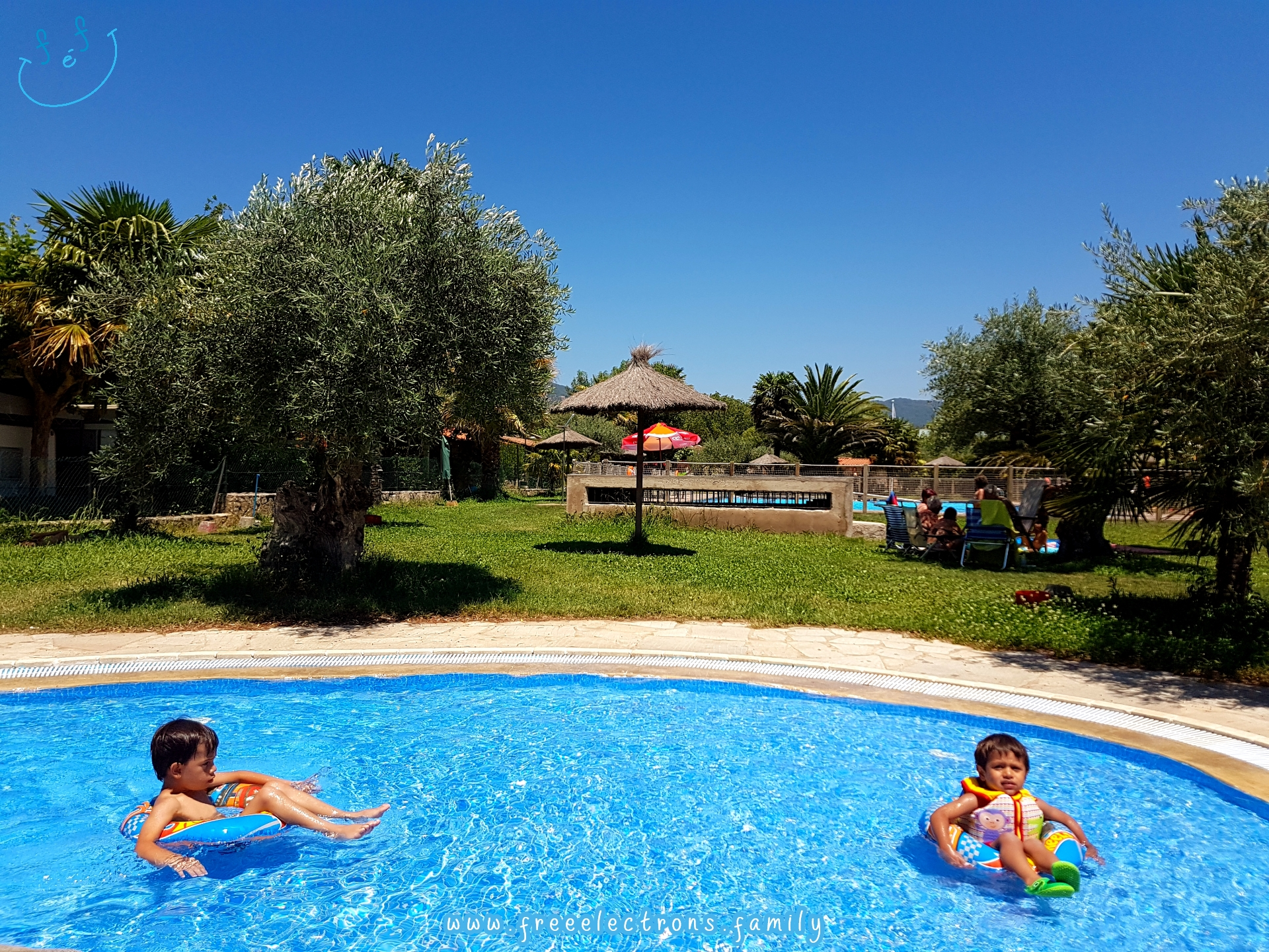 #FreeElectrons.Family - camping road trip Europe 2 swim pool