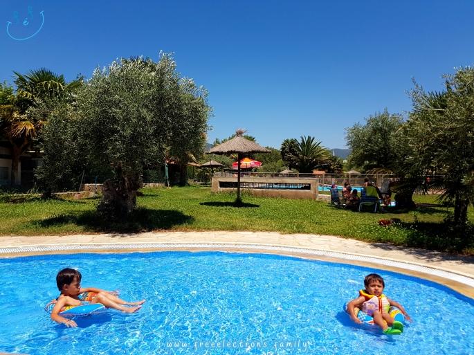 #FreeElectrons.Family - camping road trip Europe 2 swim pool