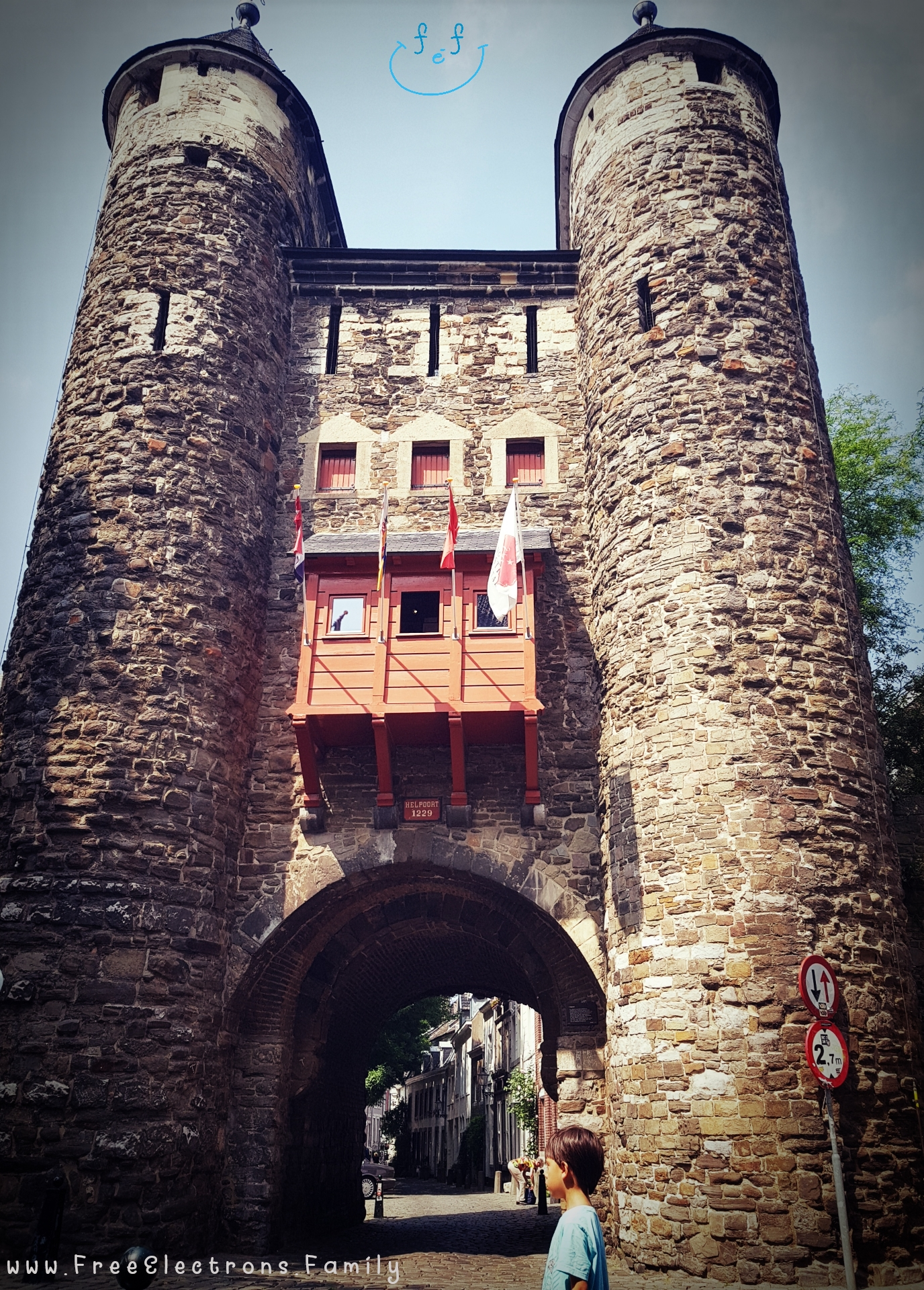 Helpoort (the Gate of Hell).   #FreeElectrons.Family - camping road trip Europe Maastricht